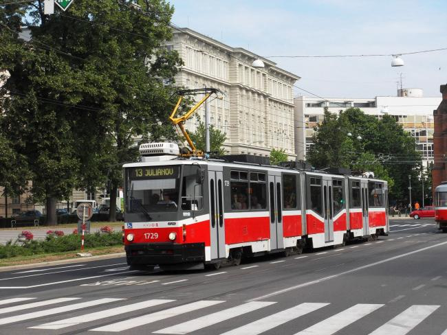 KT8D5N-Tw 1729 am 30. Juni 2011 in Brno (Foto: Harold)