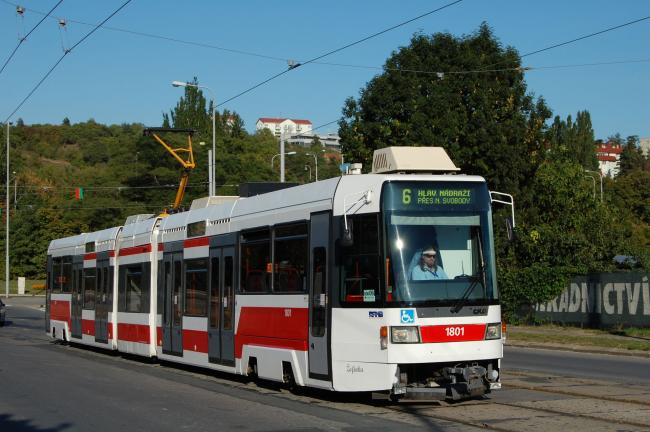 RT6N1-Tw 1801 am 13. September 2008 in Brno als Linie 6 (Foto: Radek Havlík)