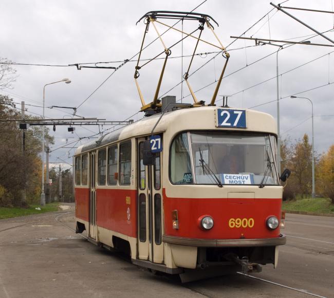 T3-Tw 6900 auf der Linie 27 in der Prager Endstelle Levského (Foto: Honza Groh)