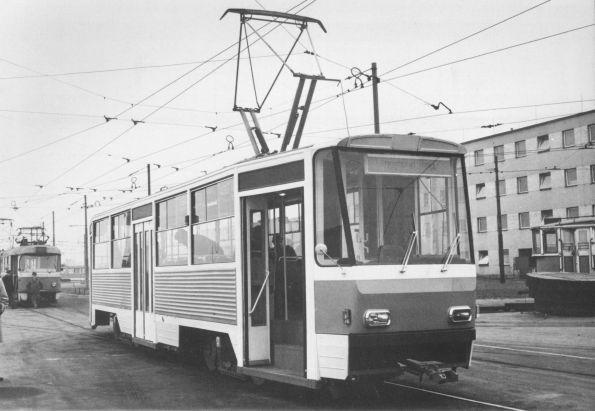 T5A5-Prototyp 8000 bei seiner Erprobung am 30. Januar 1973 in Prag-Hostivar.